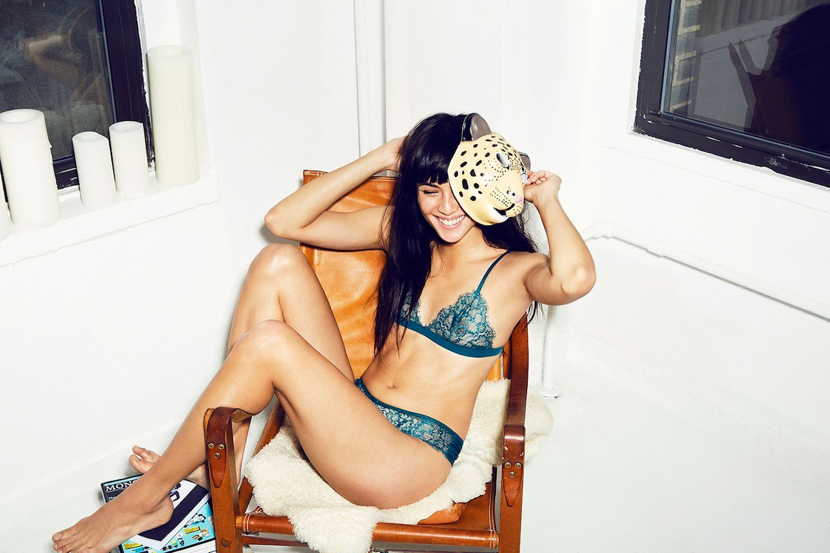Lingerie Wire-Free Bras and Bralettes for Fuller Busts While most of the PR flash around bralettes is starting to fade in favor of, well, just blatant lies from buzzy startups, I still get lots of questions from folks who wear DD+ cup sizes who are curious to see if there are wire-free options that will work for them.