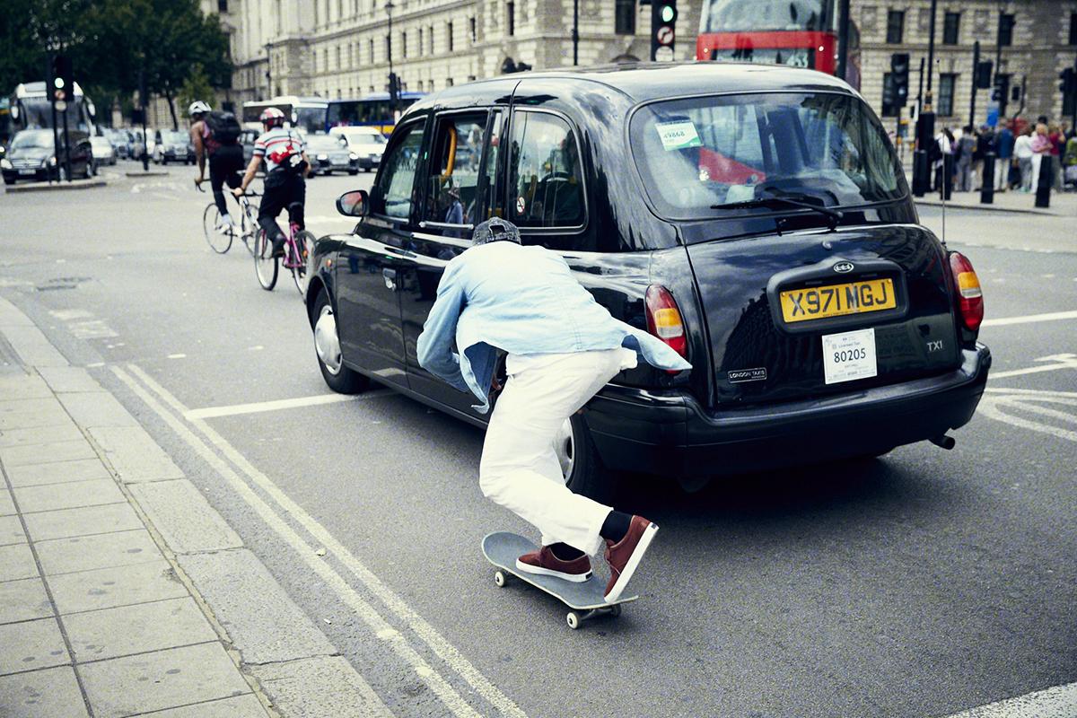 BooJohnson_Skitching_London