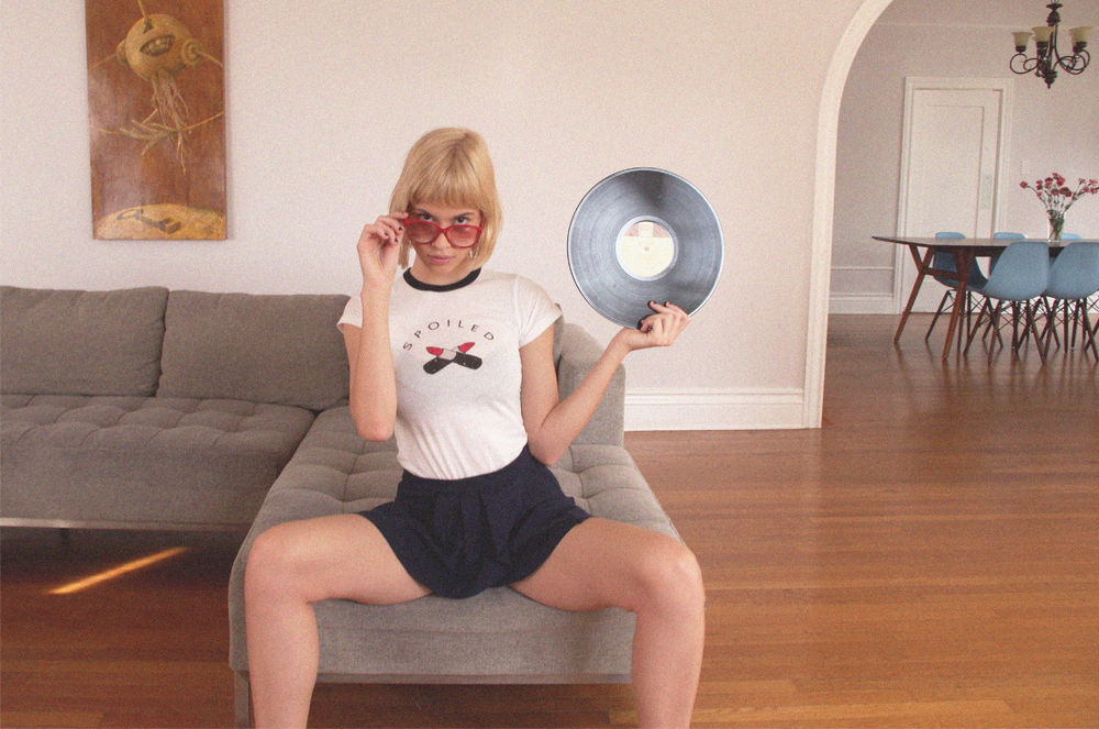 SPOILED-TEE-VALFRE