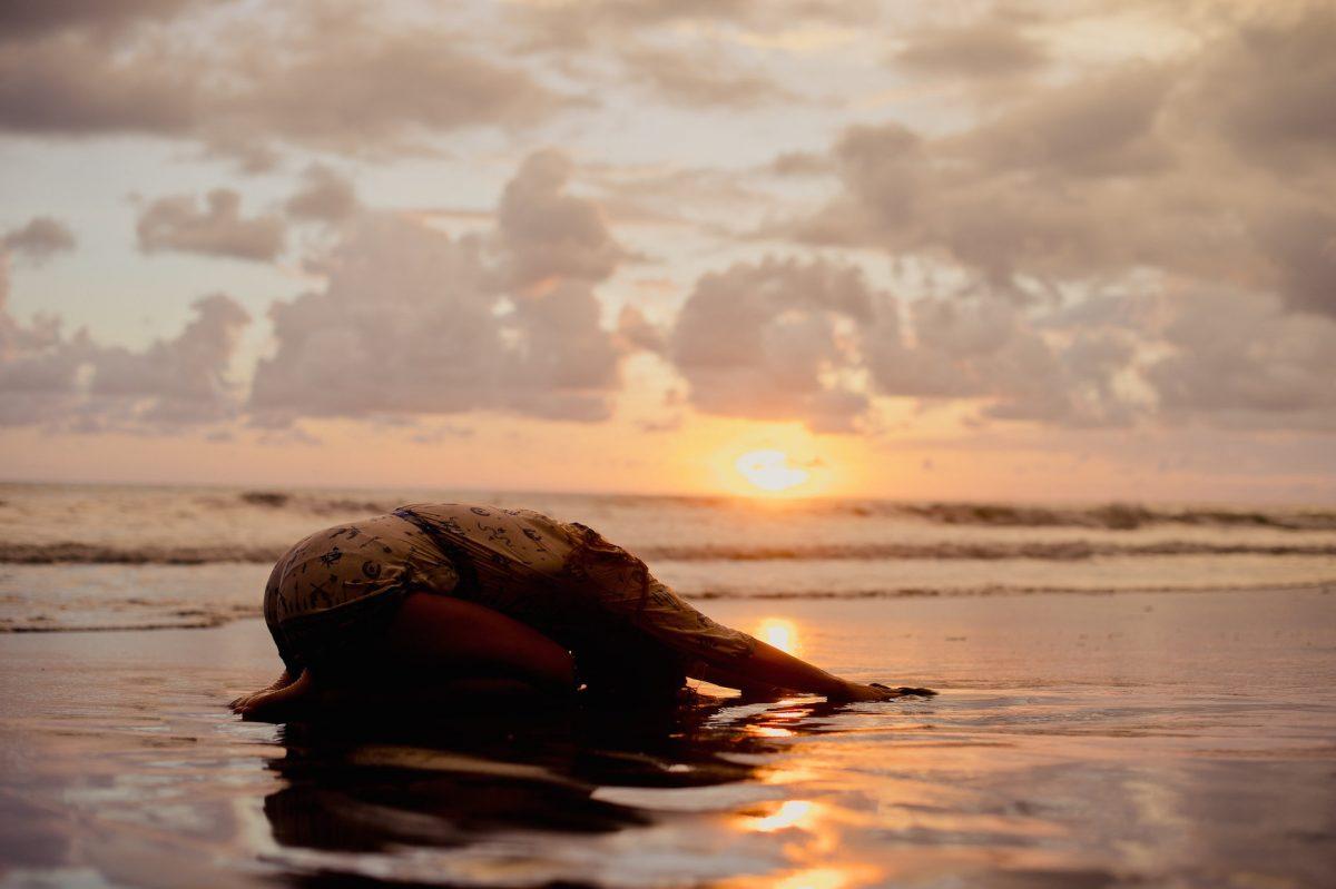beach-pray-megan-pischke-photo-courtesy-of-rebecca-amber-photography