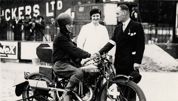nu-da-check-pioneering-women-motorcyclists-14645_6