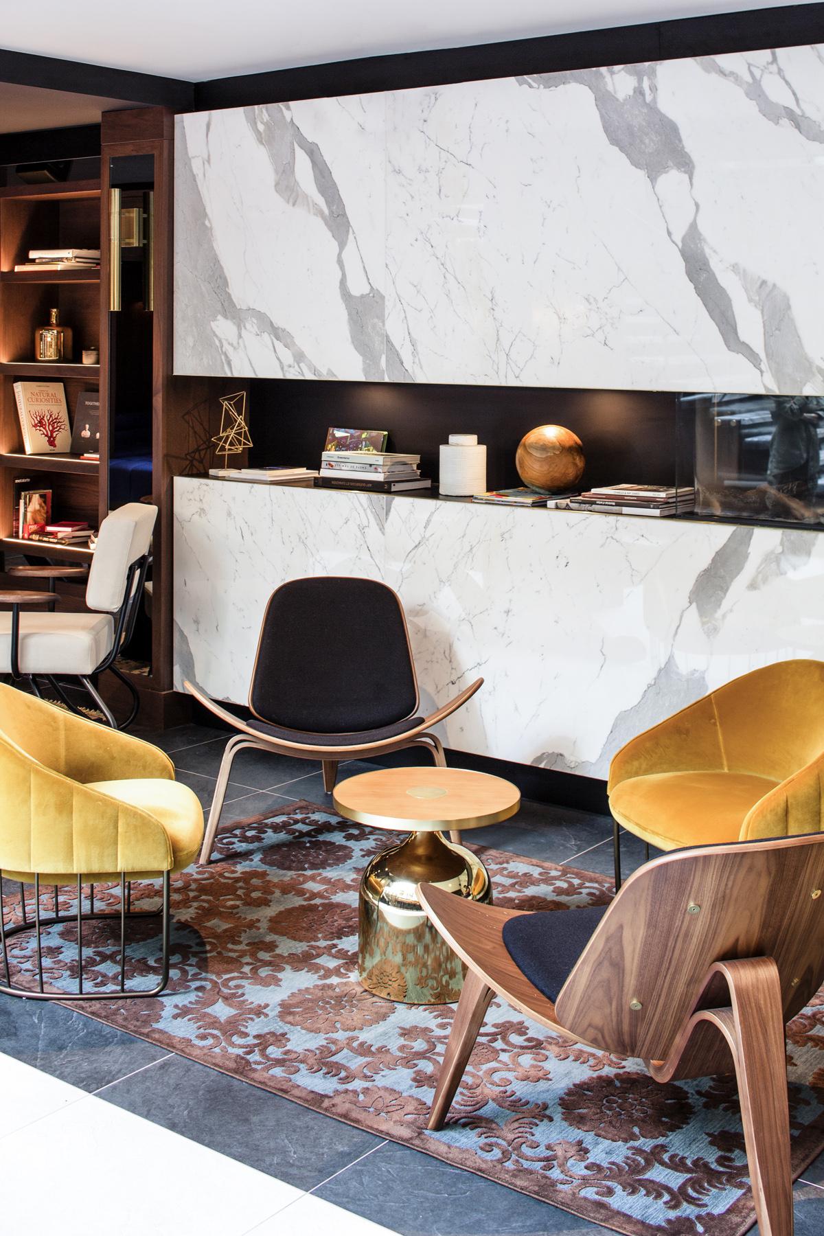 Lobby-Livingroom-2